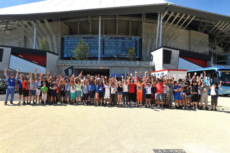 Projet 20 000 sourires avant la rencontre entre la Hongrie et le Portugal à Lyon