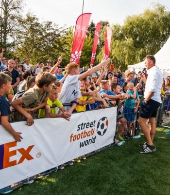 La Fondation poursuit sa collaboration avec FedEx pour soutenir la conception du football en tant que vecteur de changement social positif