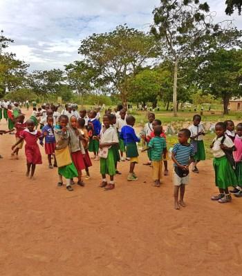 Lutter contre le mariage d'enfants et les MGF en Tanzanie grâce au football