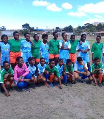 Le pouvoir des filles à la fondation pour le football
