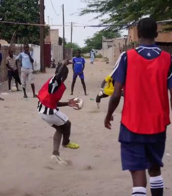 La Fondation UEFA pour l'enfance soutient les enfants des rues au Sénégal