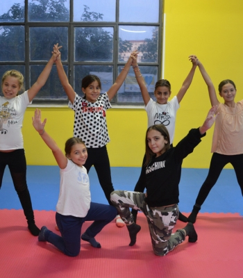 La Fondation UEFA pour l'enfance s'associe à H&M pour soutenir des projets humanitaires