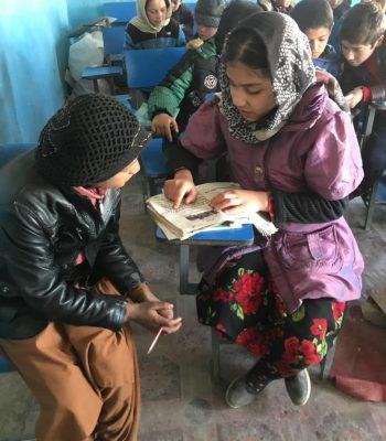 Éducation et sport pour les enfants travaillant dans les rues en Afghanistan